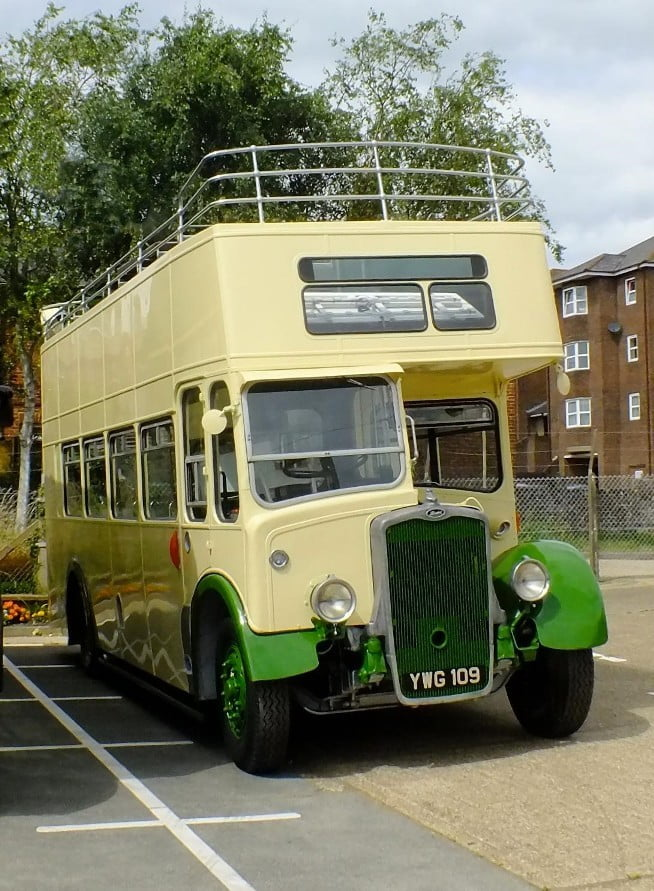 Bristol K5G – 908 (YWG 109)